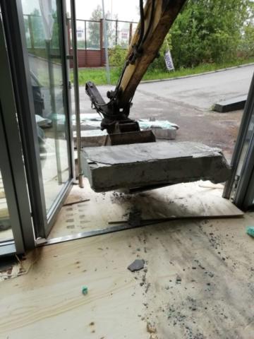 Betonijätteen siirto sisältä kierrätykseen