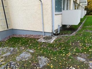 Talon perustuksen sepelöinti ja betoninen vesikouru